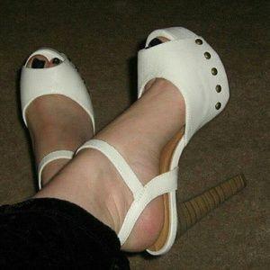Paprika Shoes - Chunky retro heels, sz 7 NEW! !
