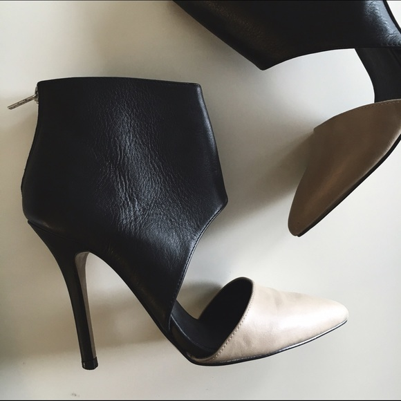 Aldo Shoes - Aldo Nude & Black Heels