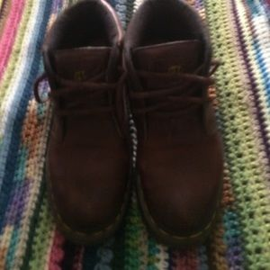 1 or Dr or Doc martins boots brown