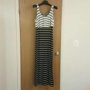 Black & white maxi dress ❤