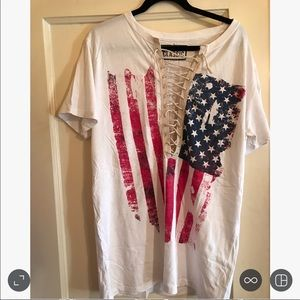 Classic Tops - HOST PICK!  American flag 🇺🇸 tshirt