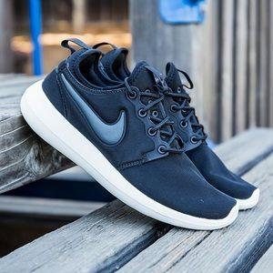 {Nike} Black Roshe Two