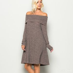 Dresses & Skirts - |SALE| This Dress Does NOT Disappoint!