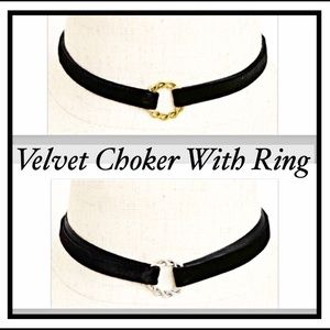 Jewelry - Black Velvet Choker Necklace With Gold Ring