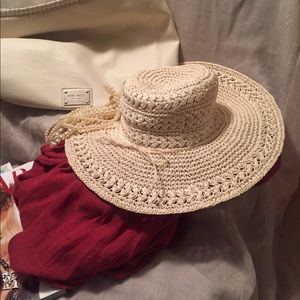 Scala Accessories - 💫New off white Scala straw hat with bow