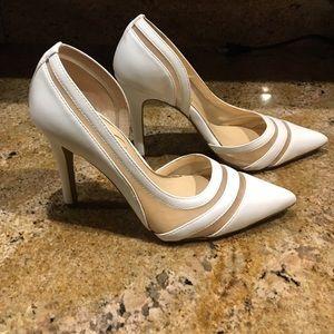 Jessica Simpson White & Mesh pump size 5.5