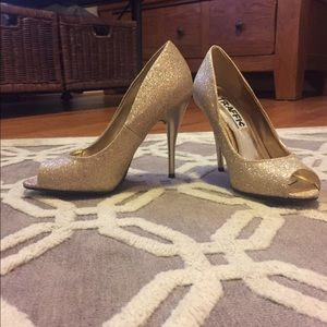 traffic Shoes - Gold glitter heels
