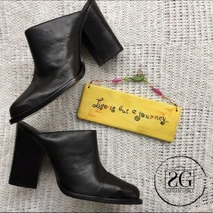Chinese Laundry Shoes - SALE❤️Chinese Laundry Black Leather Mules.