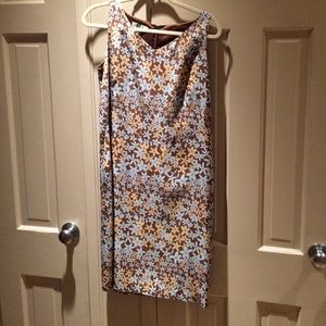 Aquascutum London Dresses & Skirts - Lovely silk sheath in pale floral pattern