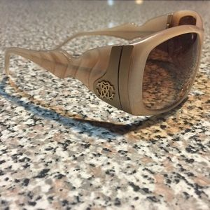 Roberto Cavalli Accessories - Roberto Cavalli Sunglasses!