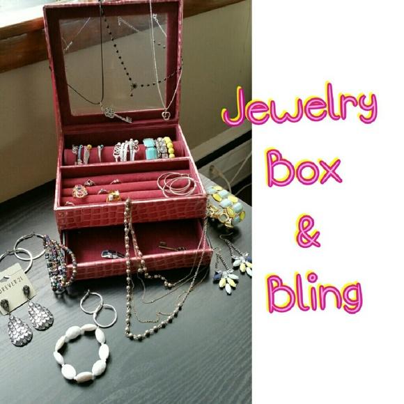 Vera Wang JEWELRY BOX BLING from Ashleighs closet on Poshmark