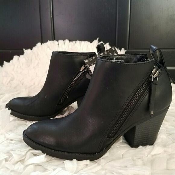 672006805f64 Black DV Jameson Double side zip booties