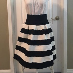 Anthropologie Girls From Savoy Skirt sz.MED/LRG