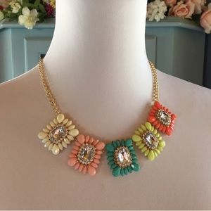 Boutique Jewelry - Gorgeous Statement Necklace. Brand New w/Tags