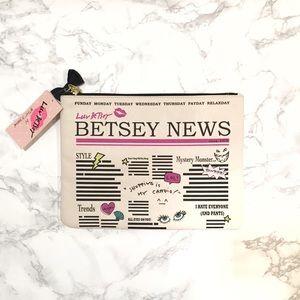 ❤️SALE ❤️ Betsey Johnson Newspaper Clutch