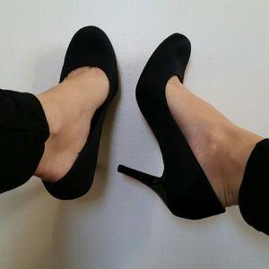 a.n.a Black matte heels:)