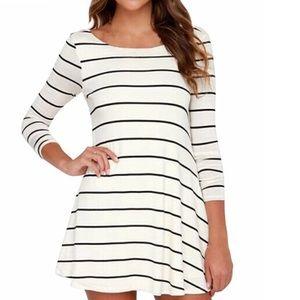 V Back Long Sleeve Dress