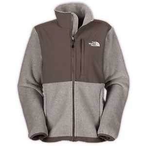 The NorthFace Denali jacket in oatmeal