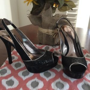 Guess by Marciano black sparkle platform heels 7.5
