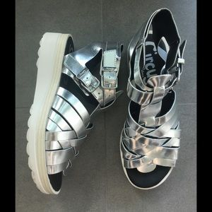 CIRCUS by Sam Edelmam Metallic sandals