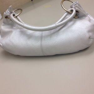 HOBO Handbags - Authentic pebble leather bag💥sale 1 hr