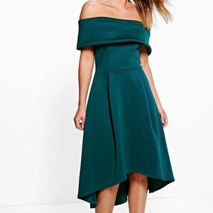 Boohoo Dresses & Skirts - 💥HOST PICK💥 Rella Off the Shoulder Dress
