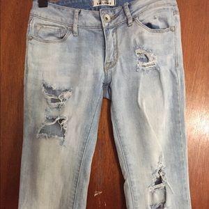 Ripped/distressed Bullhead denim jeans low rise