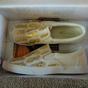 """Bucketfeet Shoes - Bucketfeet """"pineappleade"""" gold canvas shoes"""