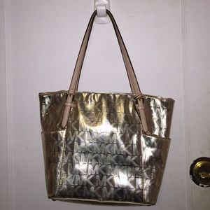 ‼️Metallic Gold Micheal Kors purse‼️