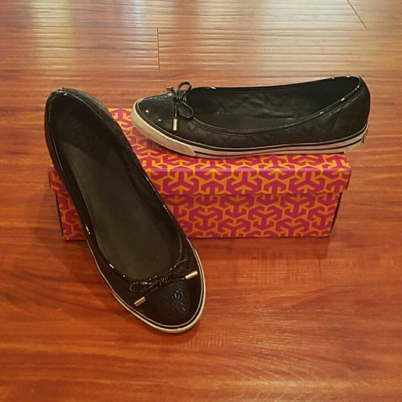 213cfd543d58 Tory Burch Skyler Quilted Sneaker Flats Black. M 580fcadb4e8d175f39013c44