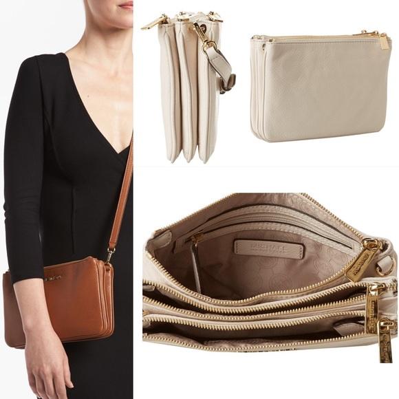 klassiska stilar bästa värde mest populär Michael Kors Bags | Light Cream 3 Zipper Crossbody | Poshmark