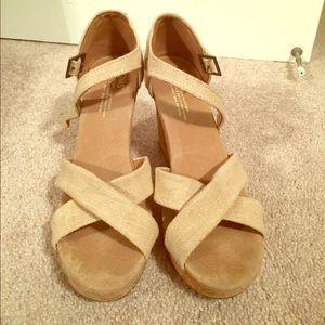 TOMS Strappy Tan Wedge Sandal