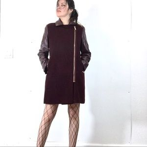 Vince Camuto Jackets & Blazers - 💋Vince Camuto Burgundy Faux Leather Sleeves Coat