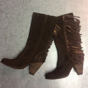 Reba Shoes - Reba Cowgirly Brown Distressed Suede Fringe Boots!