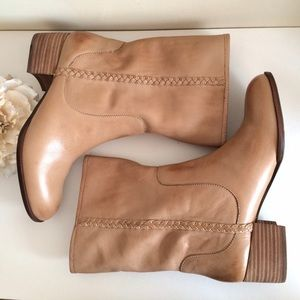 Banana Republic Shoes - NWT Banana Republic Genuine Leather Boots