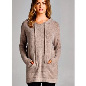 ✨1 LEFT✨Softest Sweater Ever Hoodie in Taupe. NWOT