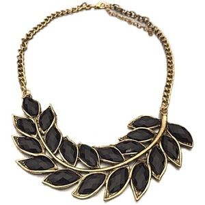 Jewelry - NWT bronze leaf necklace with black beads