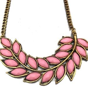 Jewelry - NWT pink and gold leaf necklace