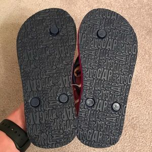 Boy Gap Rubber Flip Flops  NWT