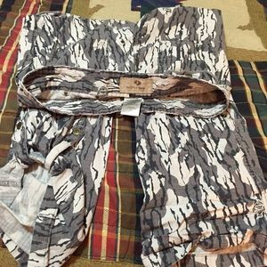 Mossy Oak Women's Camo Cargo Roll Up Pants