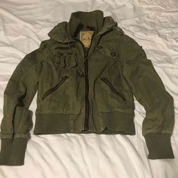 Guess Jackets   Blazers - Army green bomber jacket 2bc6a62020ec7