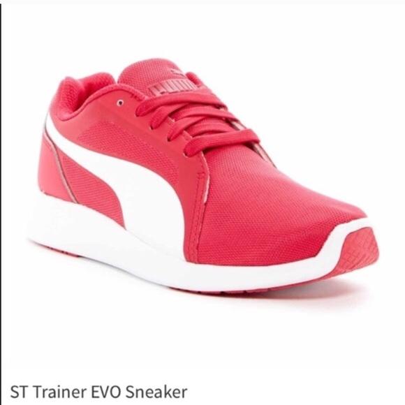 Nike Shoes - 🆕 Puma - ST Trainer EVO