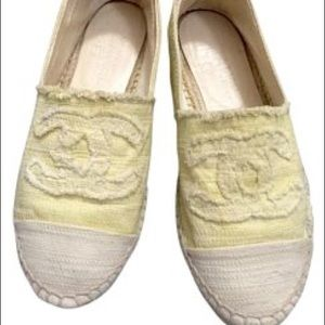 Chanel espadrilles light yellow flat canvas