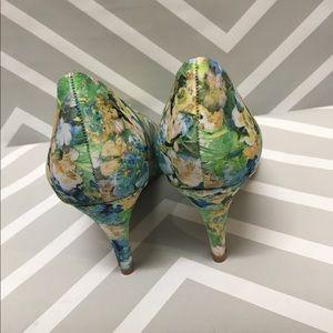 Lands' End Shoes - 🎉sale🎉 Lands' End watercolor floral pumps