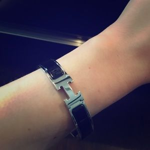 Hermes Clic H PM bracelet in black