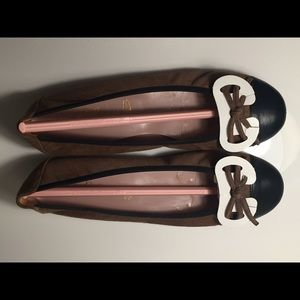 Pretty Ballerinas Shoes - Pretty Ballerinas taupe suede and black leather