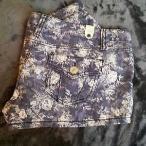 YMI Pants - 🔴B1G1 FREE! Flower Patten shorts