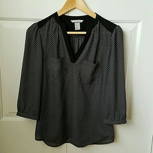 H&M Tops - V-neck blouse