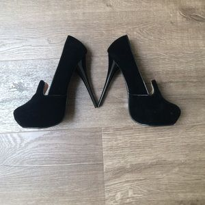 Sale!!!! Shoe dazzle platform stilettos