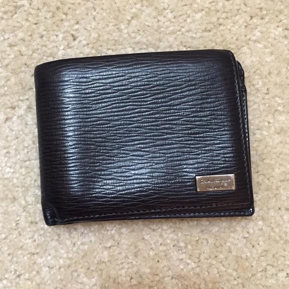 072500bbecdda Salvatore Ferragamo Revival Bi-fold Leather Wallet.  M 581101e1522b455d3500ea3d